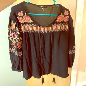 Tops - Embroidered Country Blouse